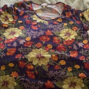 Floral perfect T Lula row